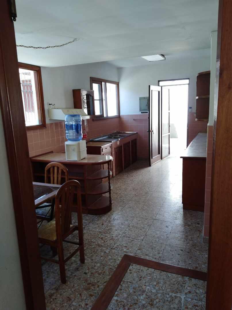 Casa en Alquiler CALACOTO calle 16 a 1/2 cuadra de la Av. Julio C. Patiño.  Foto 13