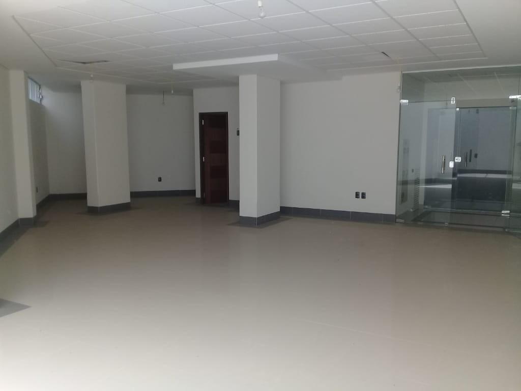 Oficina en Venta Local Comercial - Condominio Palmas del Sur - Av. Costanerita N120, esquina calle 6, zona Obrajes Foto 2