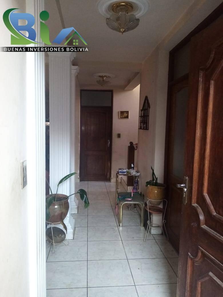 Casa en Venta $us.290.000 CASA EN ESQUINA + TIENDA PROX AV. HEROINAS ZONA SAN PEDRO Foto 4
