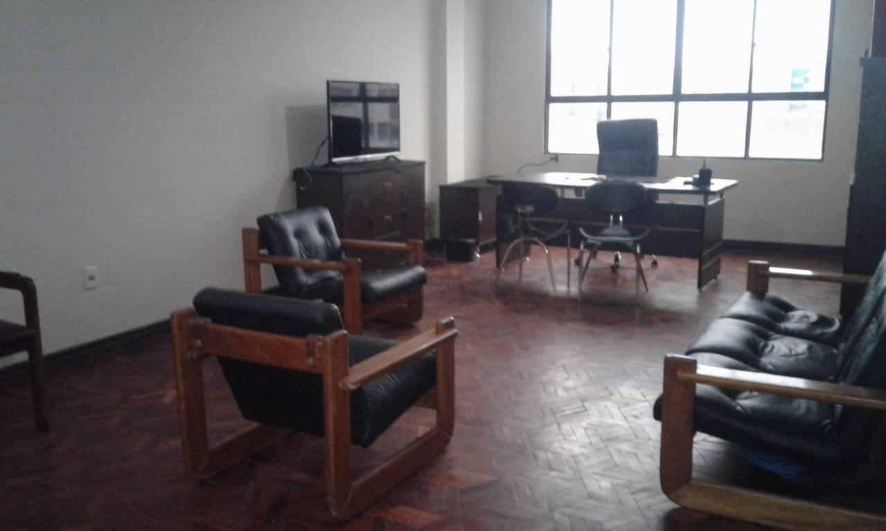 Oficina en Anticretico C./ 13 Av. 6 de Marzo Foto 2