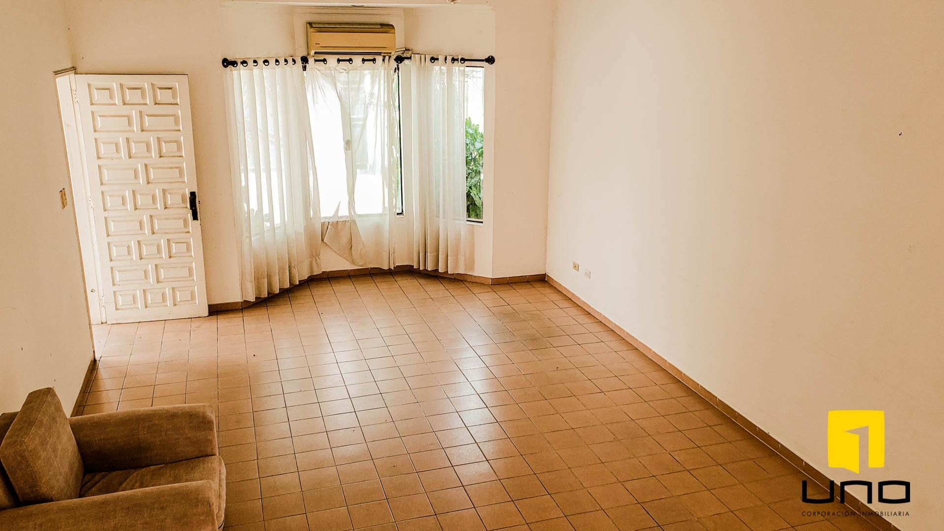 Casa en Venta $us 260.000 VENDO CASA BARRIO LAS PALMAS Foto 7