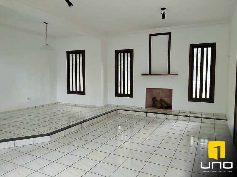 Casa en Alquiler Casa amplia en alquiler Zona EMI, Santos Dumont  3er anillo   Foto 11