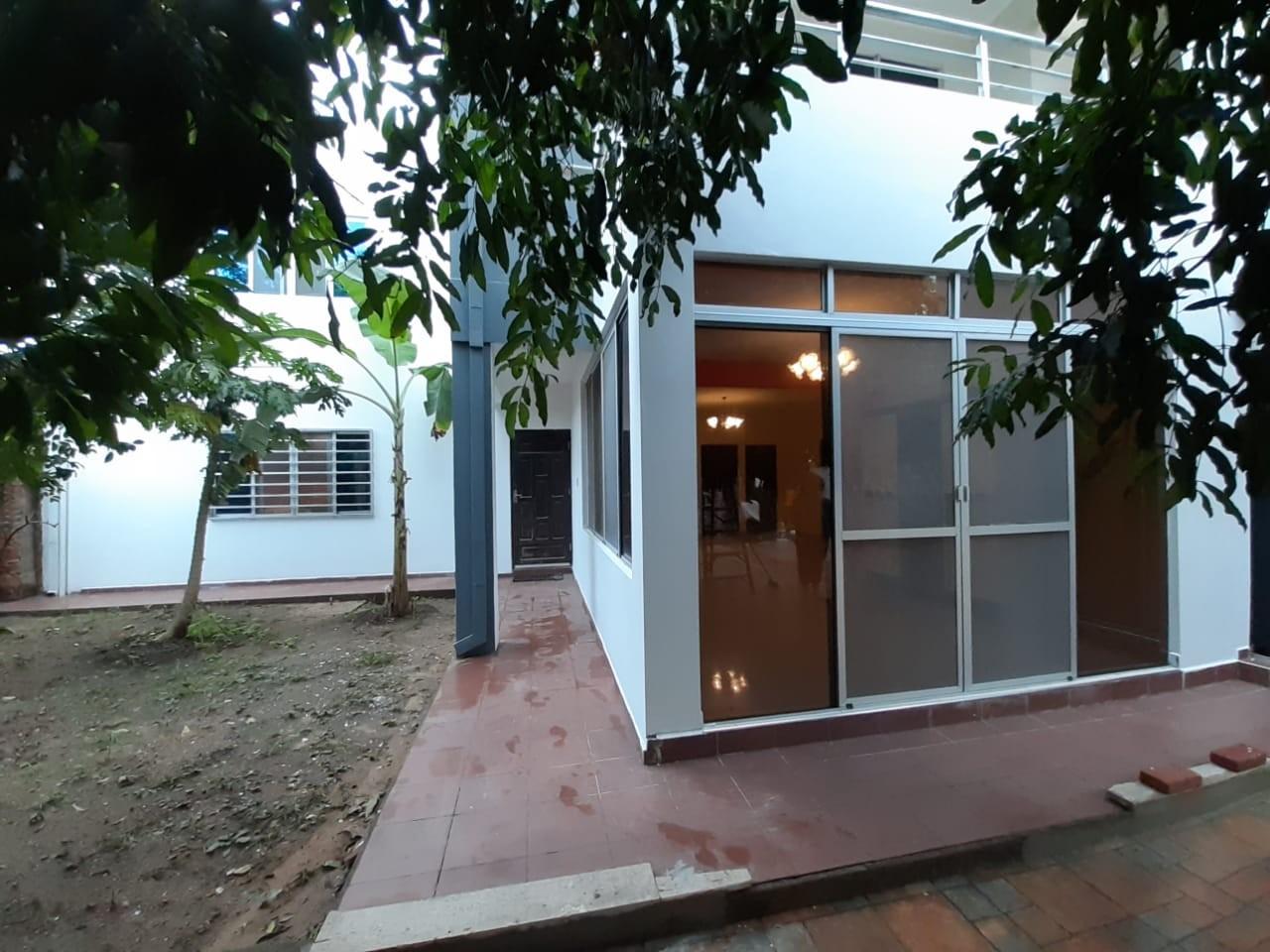 Casa en Alquiler Zona el Bajio, entre Av. Doble Via la Guardia y Radial 17 1/2, km 6 Foto 4