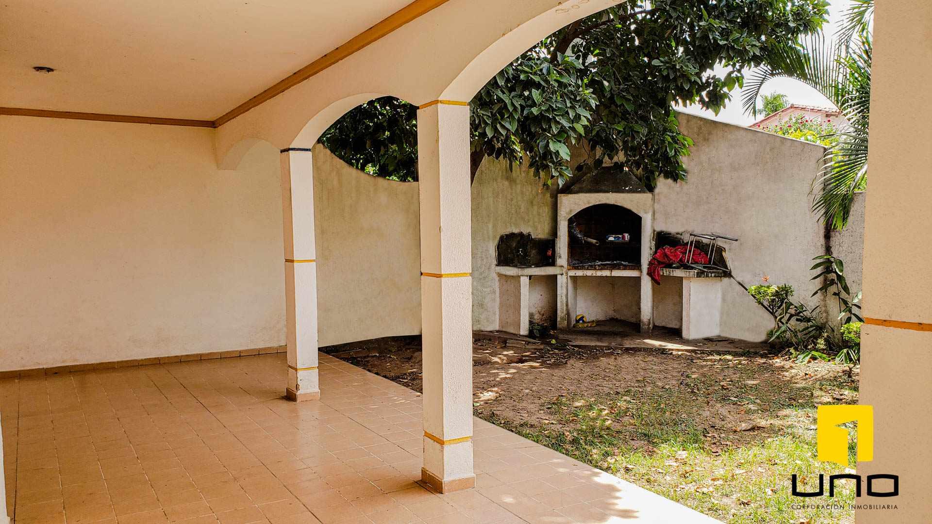Casa en Venta $us 260.000 VENDO CASA BARRIO LAS PALMAS Foto 4