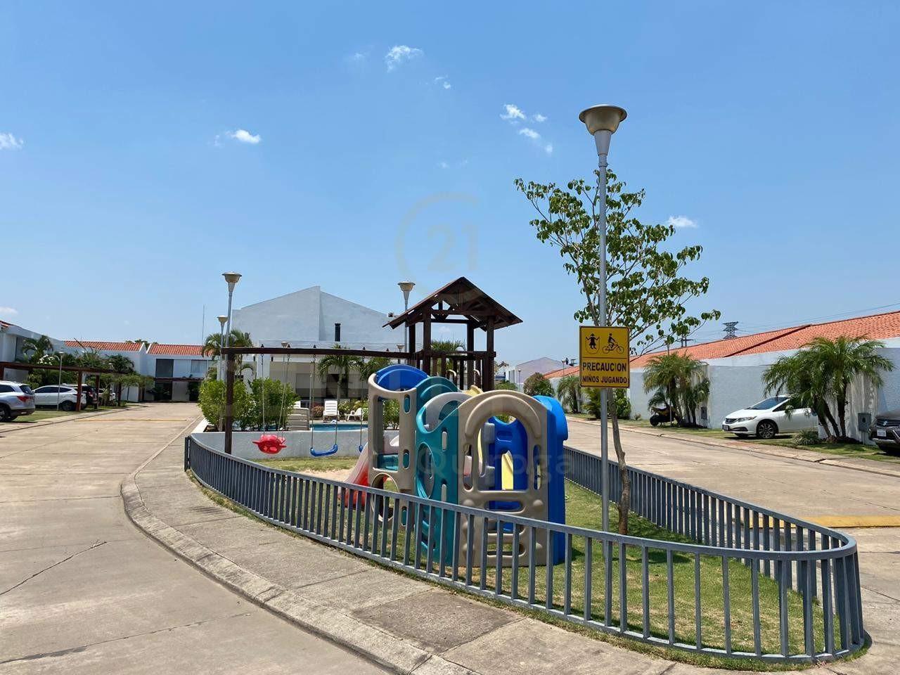 Casa en Alquiler 4to. Anillo, zona Sirari Foto 14