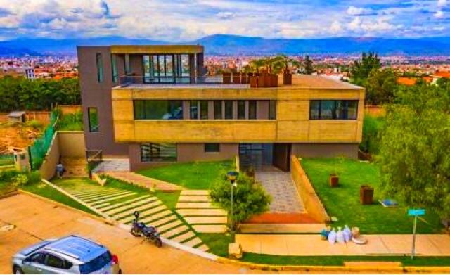 Casa en Venta Villa Taquiña, Condominio el bosque norte  Foto 2