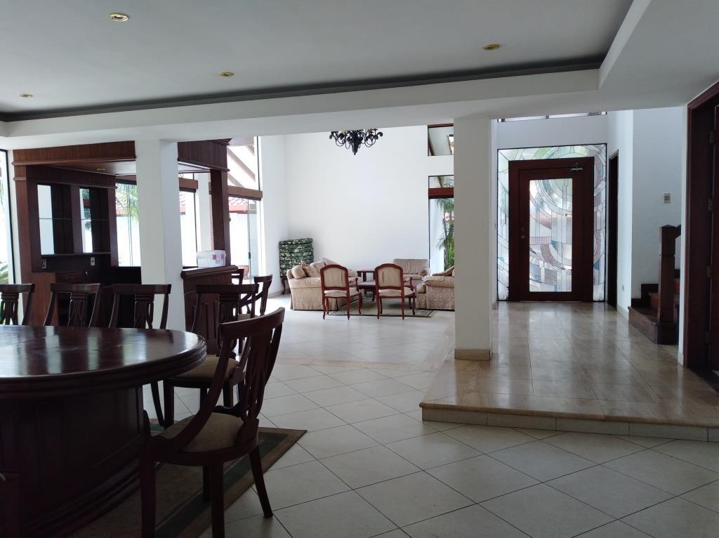 Casa en Alquiler BARRIO LAS PALMAS - AV. RADIAL CASTILLA Foto 4