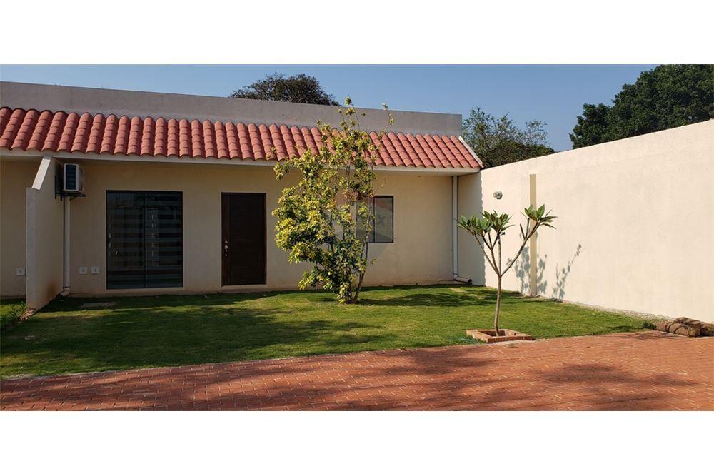 Casa en Alquiler G77 Y AV. INTERNACIONAL Foto 4