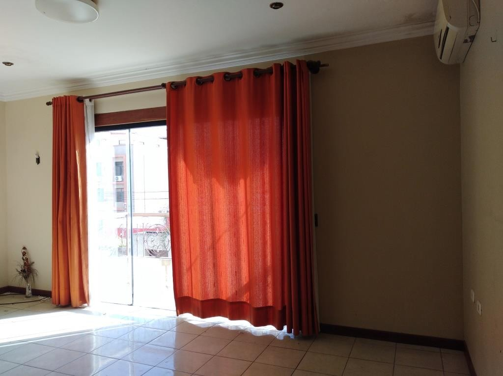 Casa en Alquiler AV. 2 de AGOSTO 5º ANILLO - Entre Alemana y Mutualista.- Foto 9
