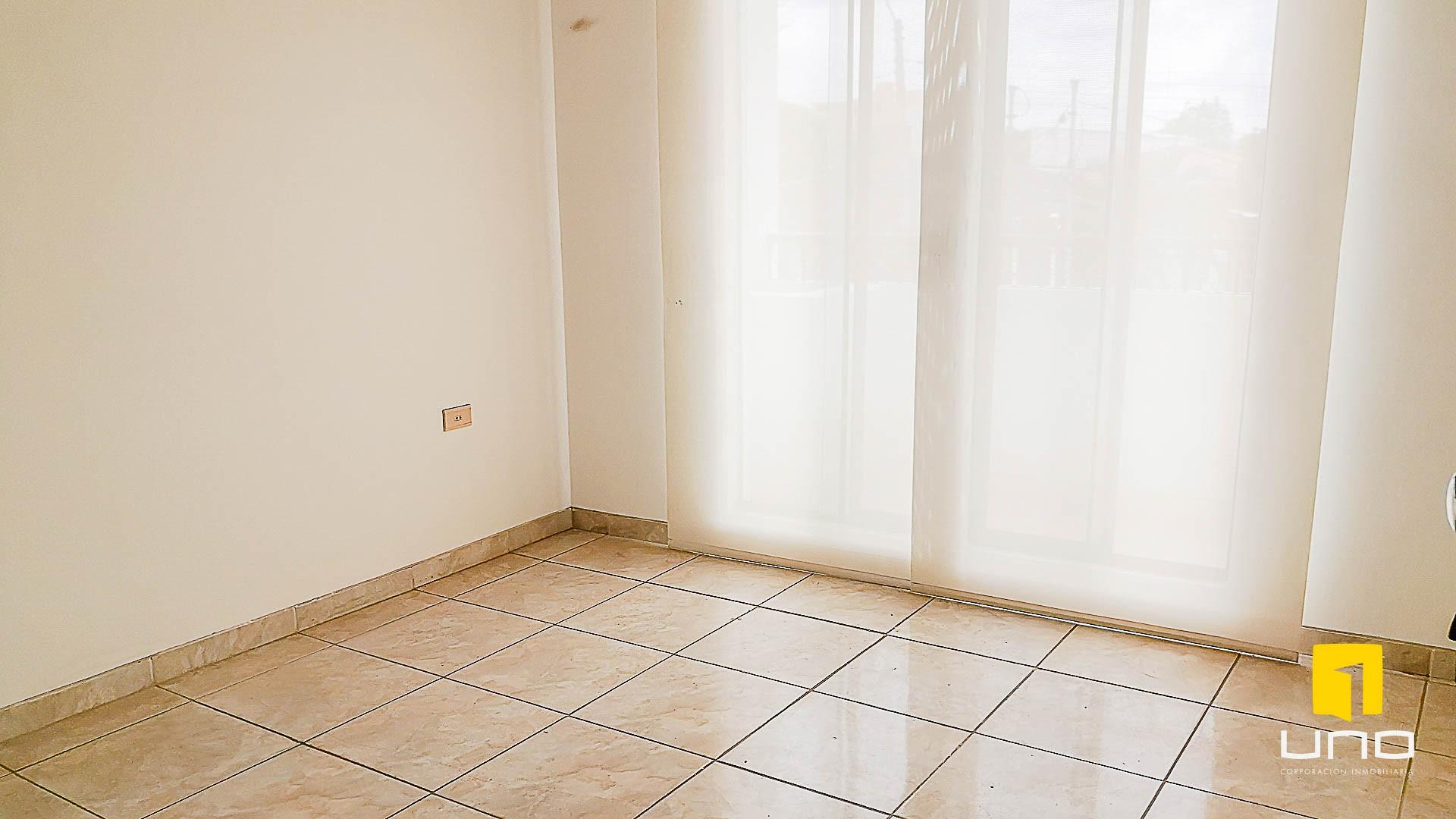 Casa en Venta $us 150.000 VENDO CASA AV ALEMANA DENTRO 3ER ANILLO TIPO DUPLEX Foto 7