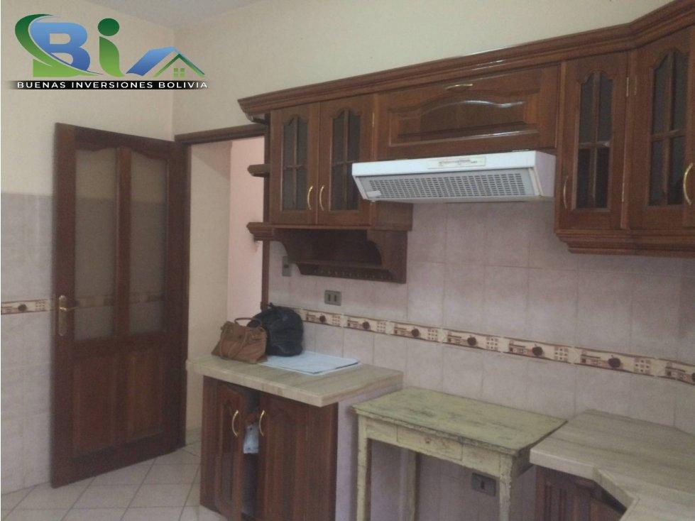 Casa en Alquiler $us1000CASA EMPRESA/FAMILIA PROX PLAZA QUINTANILLA Foto 19