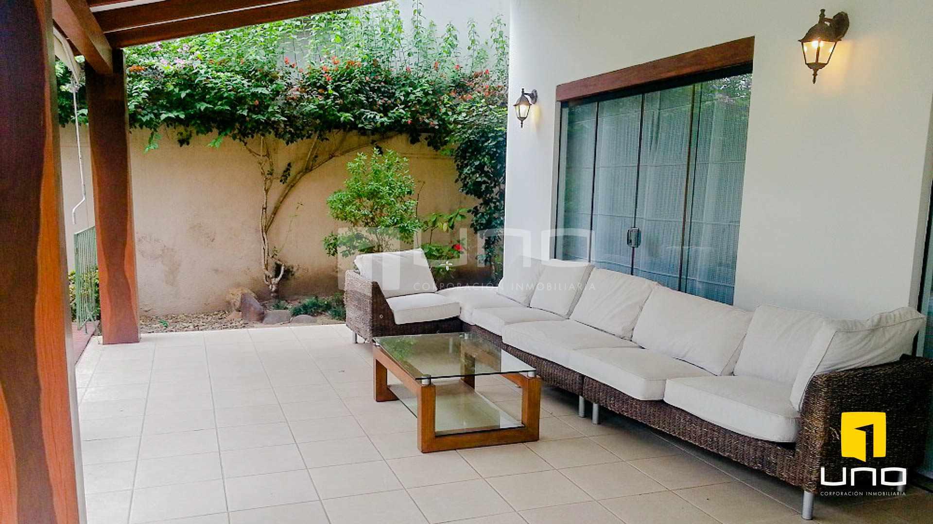 Casa en Alquiler Barrio Las Palmas alquilo amplia casa  con muebles y piscina Foto 6