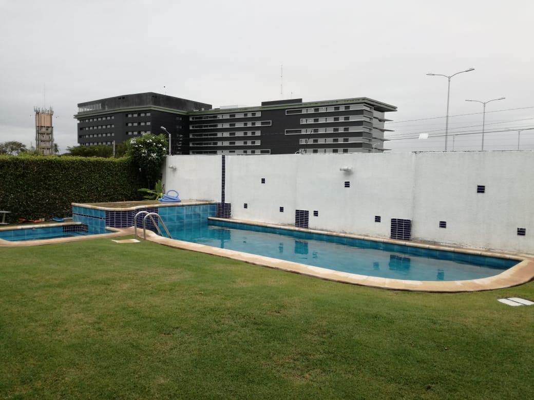Casa en Alquiler Condominio exclusivo a pocos minutos del puente Urubó  Foto 2