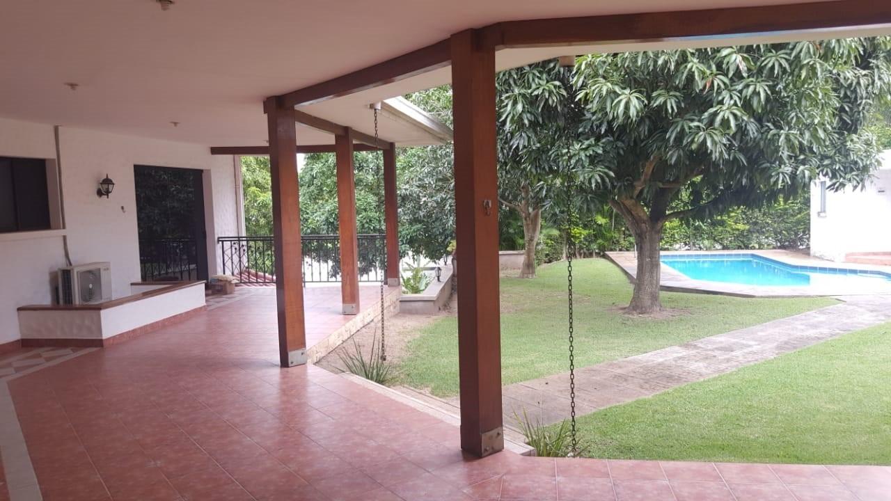 Casa en Alquiler URUBO LA COLINA II Foto 11