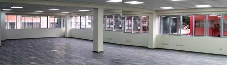 Oficina en Alquiler CALACOTO Calle 12 esquina Sanchez Bustamante. A 1 cuadra de Av. Ballivián.  Edificio de Amaszonas. Foto 8