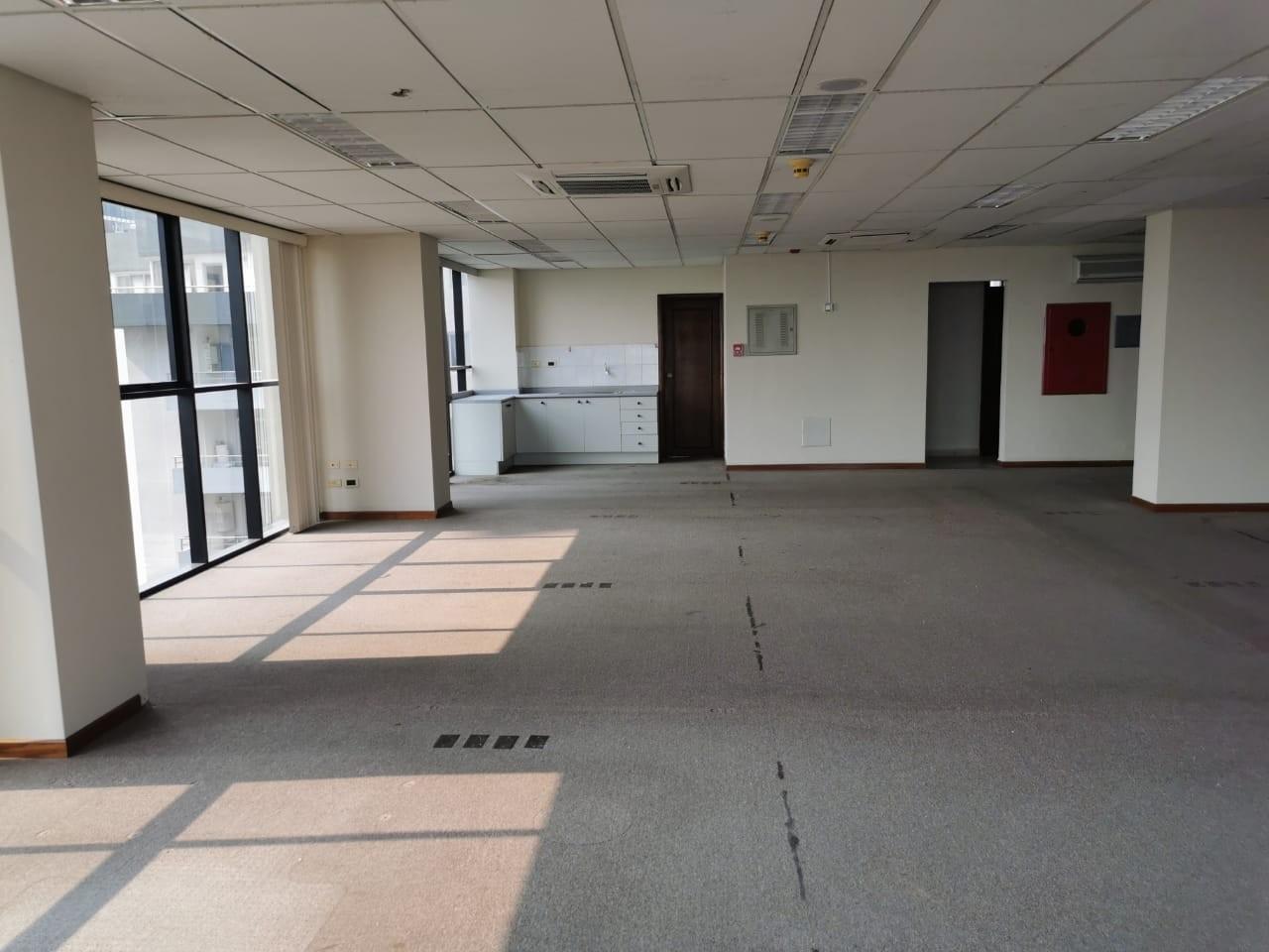 Oficina en Venta Torre Empresarial Cainco Foto 5