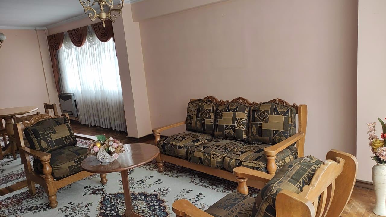 Departamento en Alquiler AV ARCE -DEPARTAMENTO TOTALMENTE AMOBLADO SOLEADO  - 4 dormitorios Foto 2