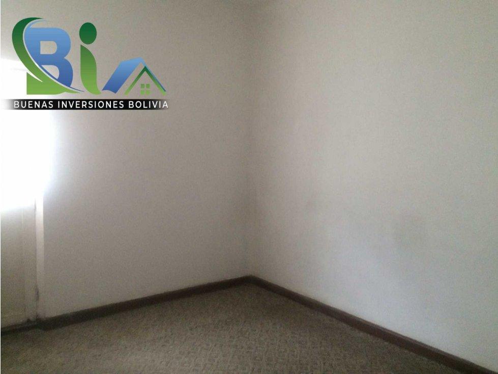 Casa en Alquiler $us 700.- CASA IDEAL OFICINA/VIVIENDA ZONA CENTRAL Foto 15