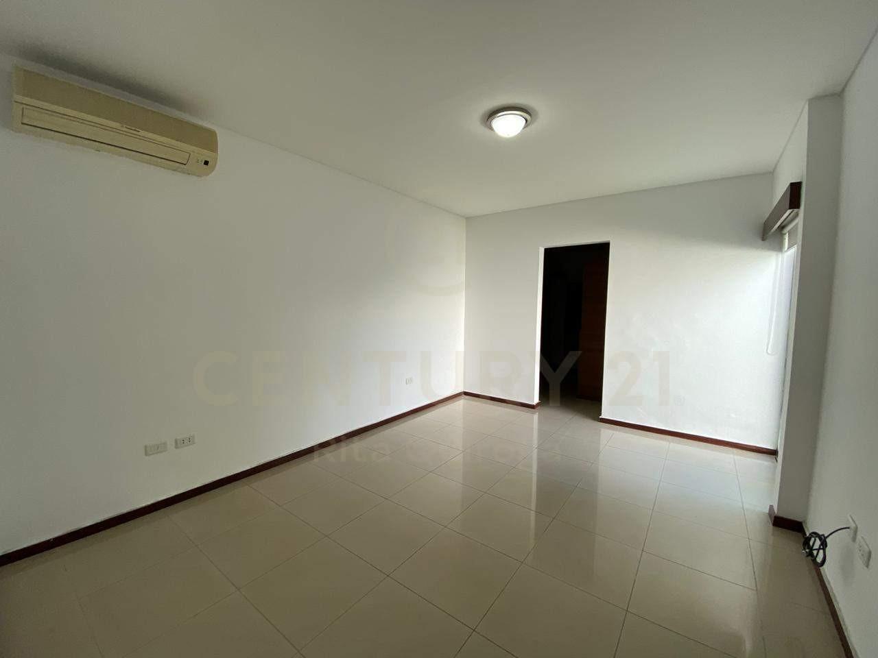 Casa en Alquiler 4to. Anillo, zona Sirari Foto 8