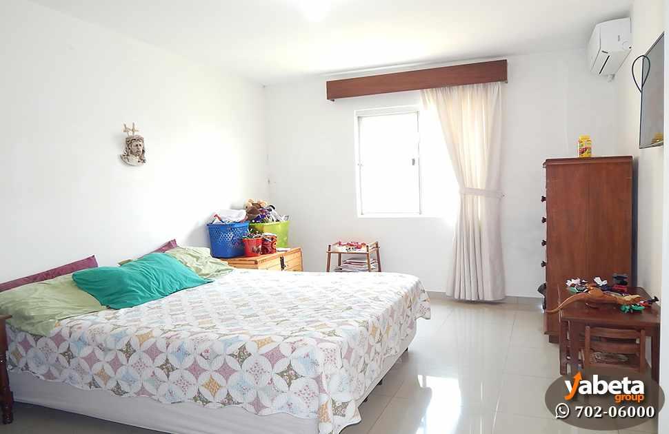 Casa en Venta Casa de 4 Dormitorios Cond. Sevilla Los Jardines Foto 6