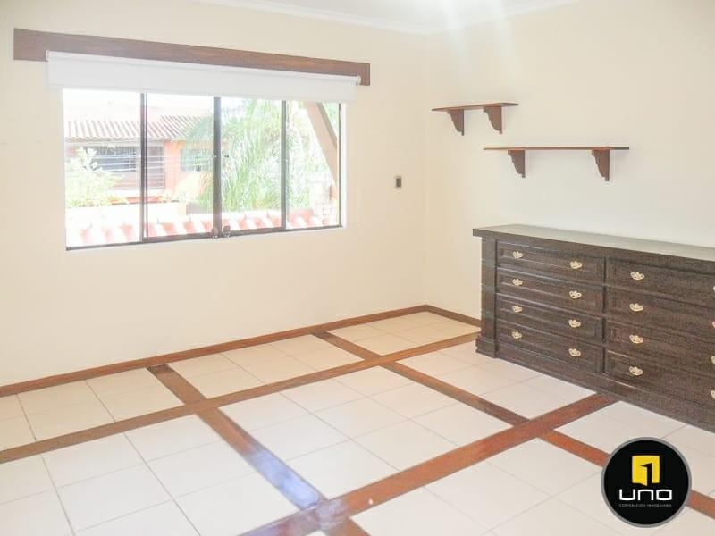 Casa en Alquiler ZONA NORTE, 4TO ANILLO Y CANAL ISUTO IDEAL PARA VIVENDA O EMPRESA Foto 10