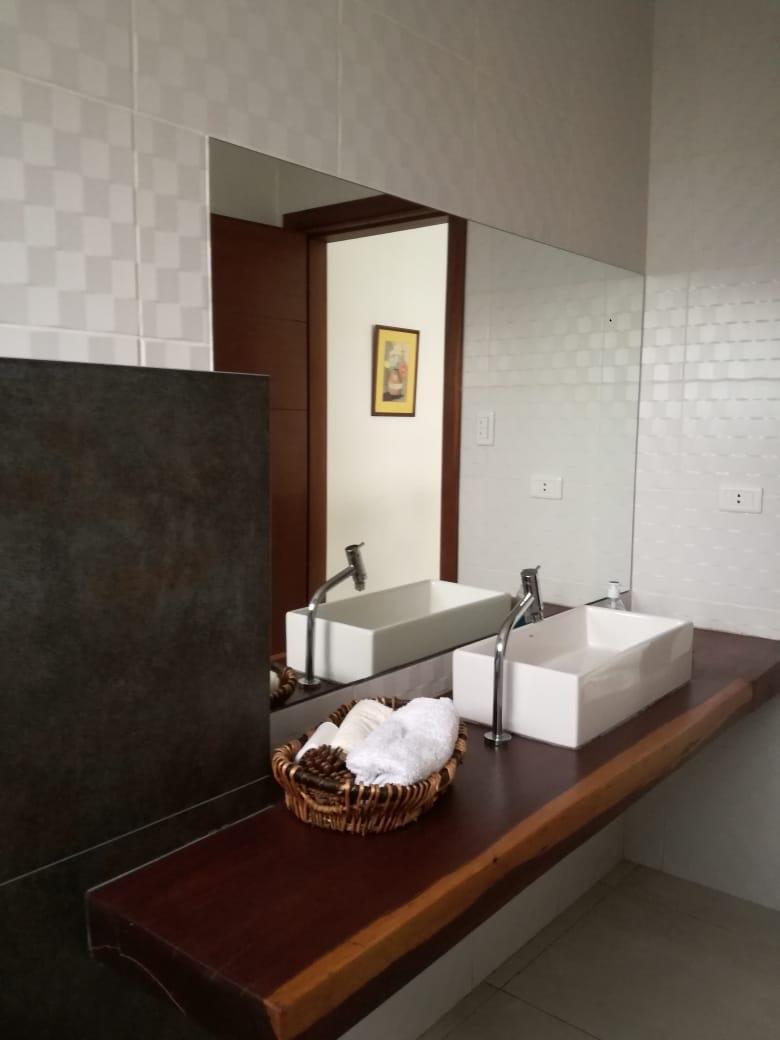 Casa en Alquiler Condominio exclusivo a pocos minutos del puente Urubó  Foto 17