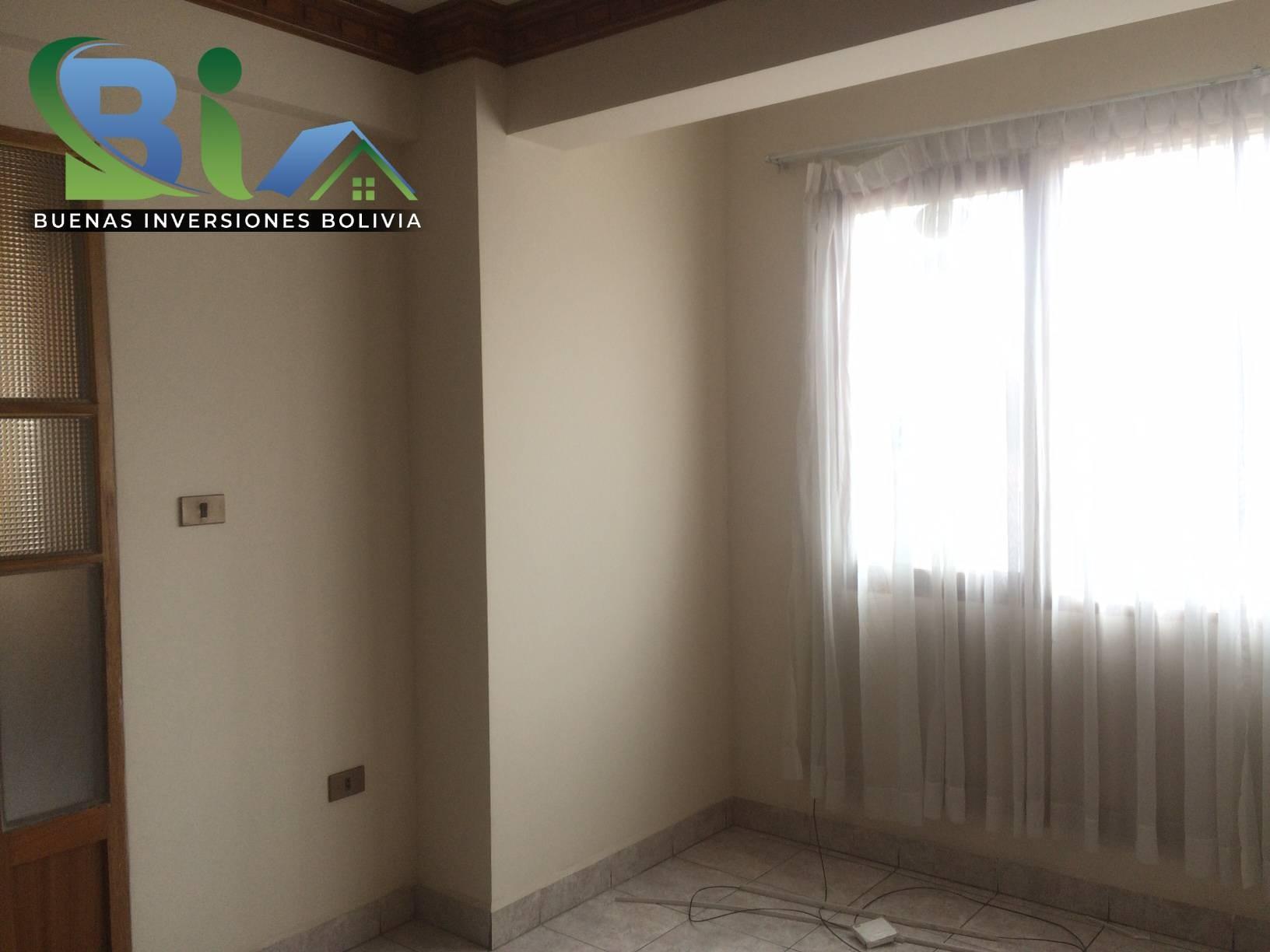 Casa en Alquiler $us.450.- CASA INDEPENDIENTE TRES PLANTAS ZONA CHIMBA PARQUE ACUATICO Foto 10
