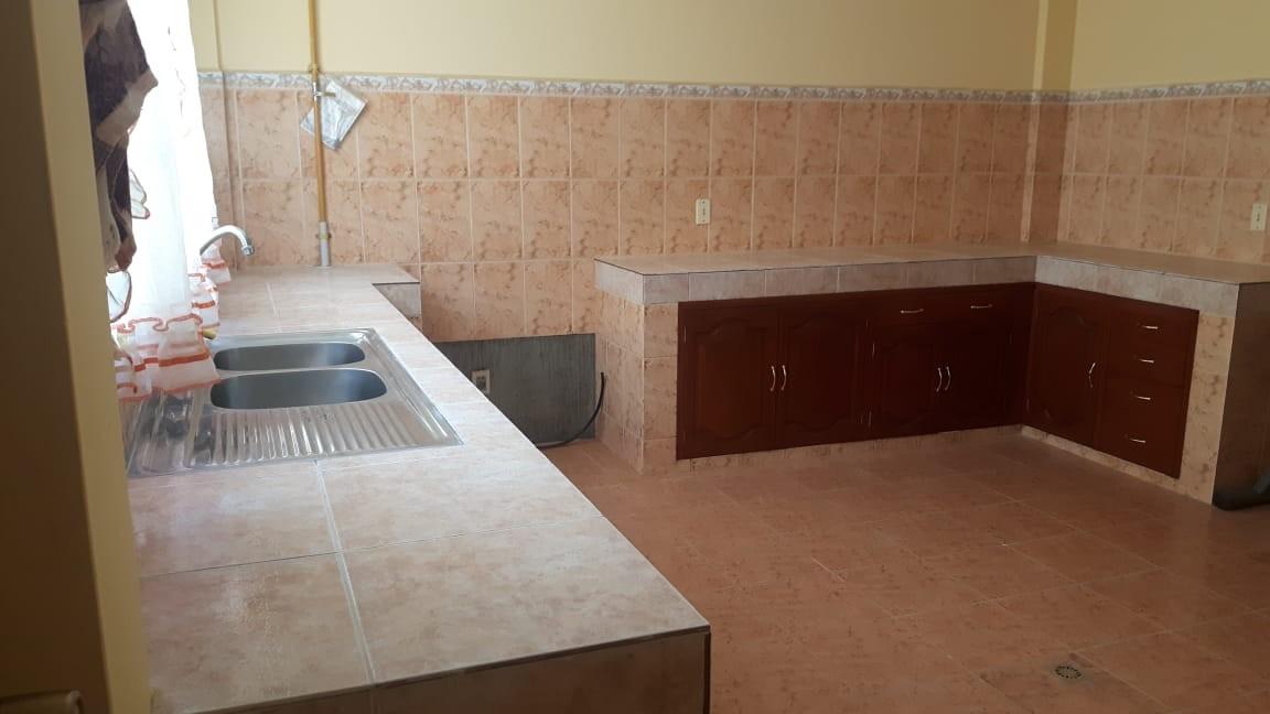 Casa en Anticretico Casa en ANTICRETICO NO MASCOTAS Las Rosas Zona Achumani La Paz todos los servicios y jardines Foto 19