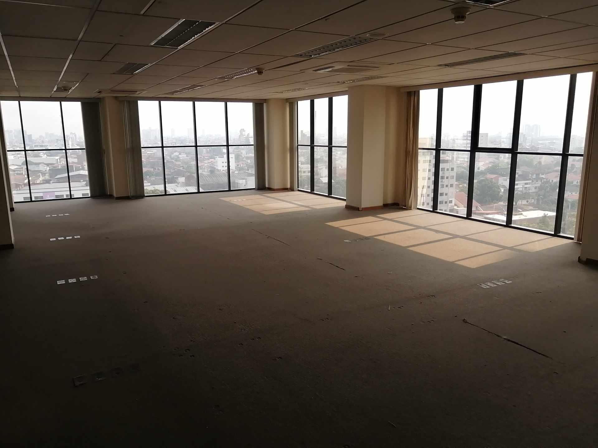 Oficina en Venta Torre Empresarial Cainco Foto 4