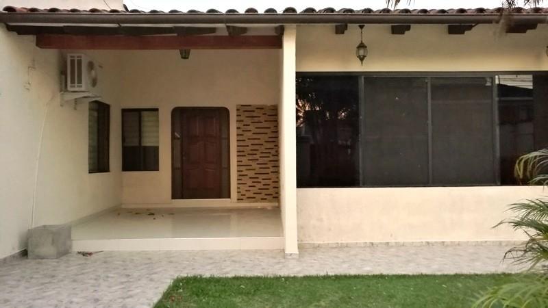 Casa en Alquiler Barrio Urbarí Foto 17